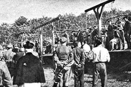 Повешение надзирательниц лагеря Штуттгоф в 1946 году