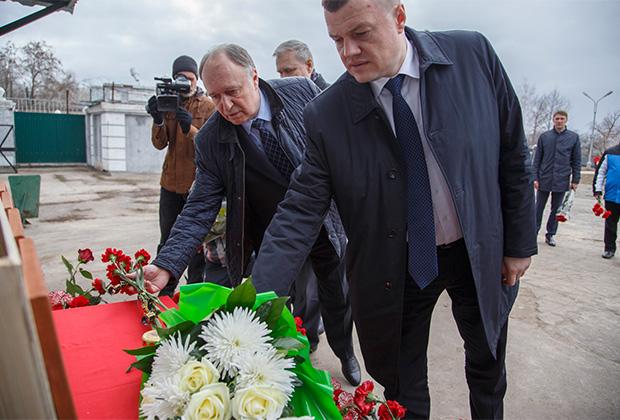 Глава администрации Котовска Алексей Плахотников (слева) и губернатор Тамбовской области Александр Никитин
