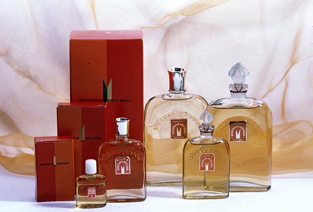 Духи «Красная Москва» парфюмерной фабрики «Новая заря» завоевали Гран-при на международной выставке в Брюсселе в 1958 году