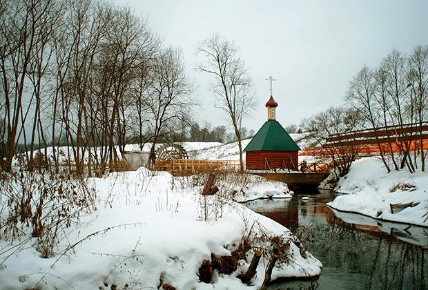 В 2014 году купальню и мостки подвергли реставрации, как и всю территорию вокруг святого источника