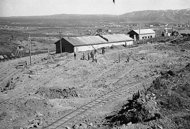 Первые постройки Норильска