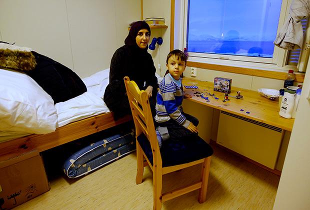 Семья из Йемена в норвежском лагере для беженцев