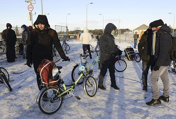 Беженцы и мигранты на российско-норвежской границе. 30 октября 2015