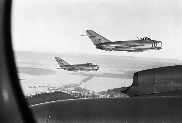 Истребители МиГ-15