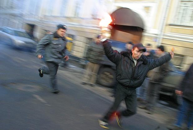 Разгон милицией участников акции у посольства Латвии в Москве
