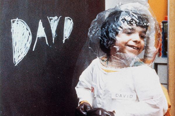 Дэвид Веттер (1971-1984), «мальчик из пузыря», рожденный с тяжелым расстройством иммунной системы