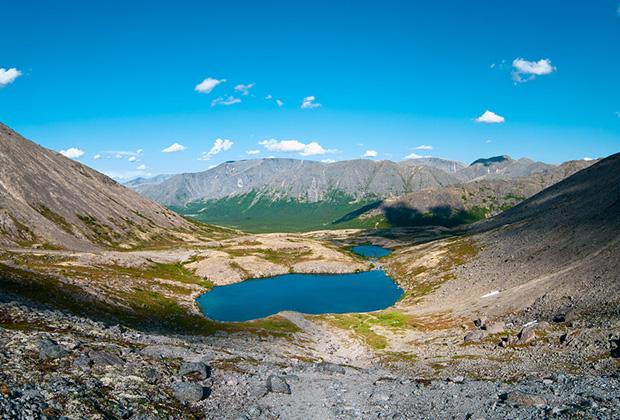 Горное озеро в Хибинах