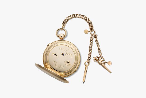 3066 — часы с получетвертным репетиром первого класса с индикацией фаз Луны. Корпус из гильошированного золота, циферблат из гильошированного серебра с широкой апертурой индикатора фаз Луны. Часы отправлены герцогу де Фриасу 18 июня 1818 года за 2700 франков.