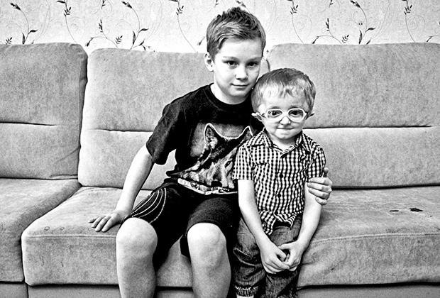 Паша Лапушкин (справа) с братом Андреем