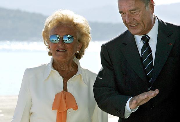 На помощь супругу Бернадетт Ширак пришла, когда правые начали терять популярность