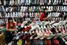 Торговцы контрафактной обувью в Пекине
