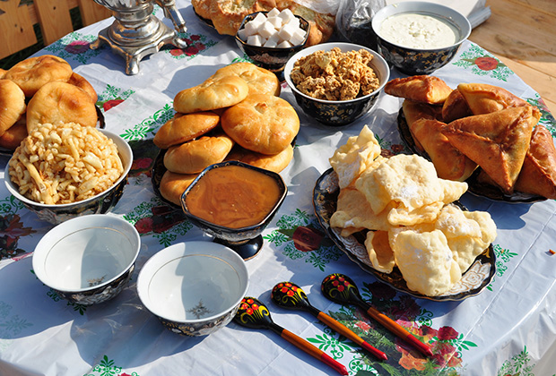 Сабантуй в Казани празднуют национальными сладостями