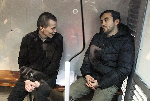 Евгений Ерофеев и Александр Александров в зале суда
