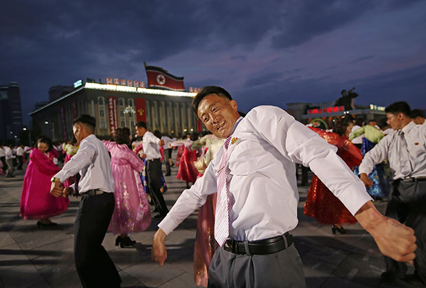 Торжества в Пхеньяне, приуроченные к проведению съезда ТПК; 10 мая 2016 года