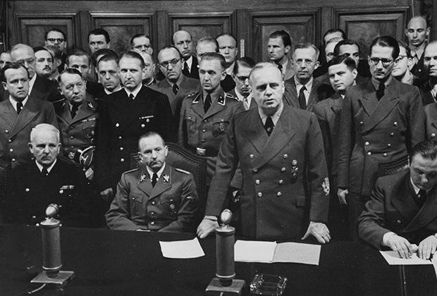 Иоахим фон Риббентроп зачитывает ноту советскому правительству, 22 июня 1941 года