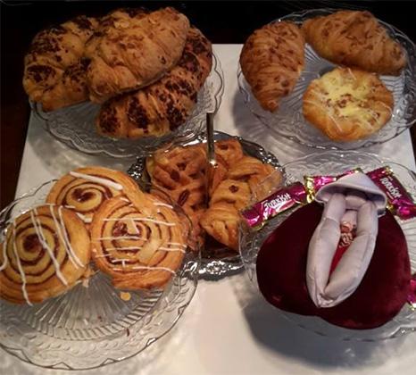 Тематический пирожок на посиделках Cafe V