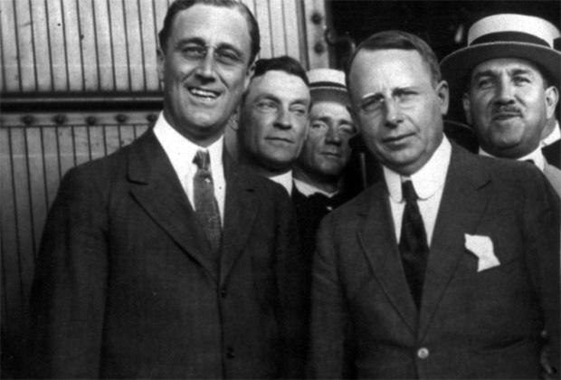 Франклин Рузвельт (слева) и Джеймс Миддлтон Кокс (справа)