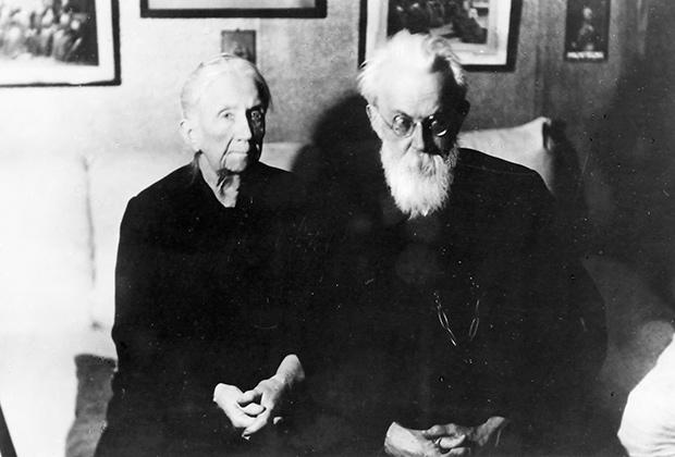 Академик Владимир Иванович Вернадский с женой Натальей Егоровной