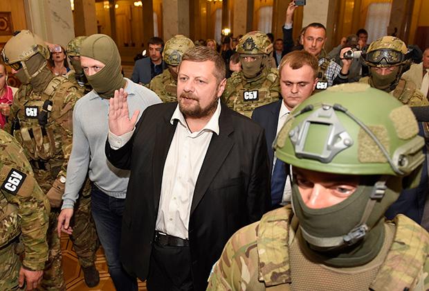 Депутат Игорь Мосийчук и енакиевский врач очень схожи по стилю общения