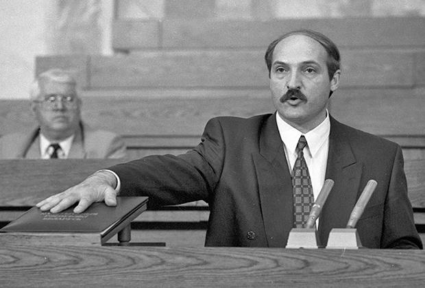 Александр Лукашенко был избран президентом на первых выборах главы государства в 1994 году