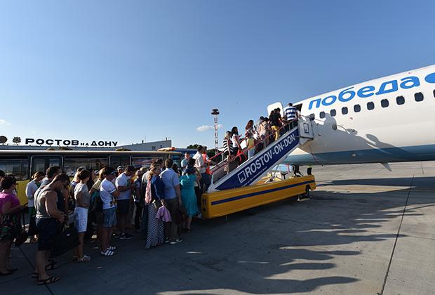 Билеты у пассажиров проверяют несколько раз, в том числе непосредственно во время посадки