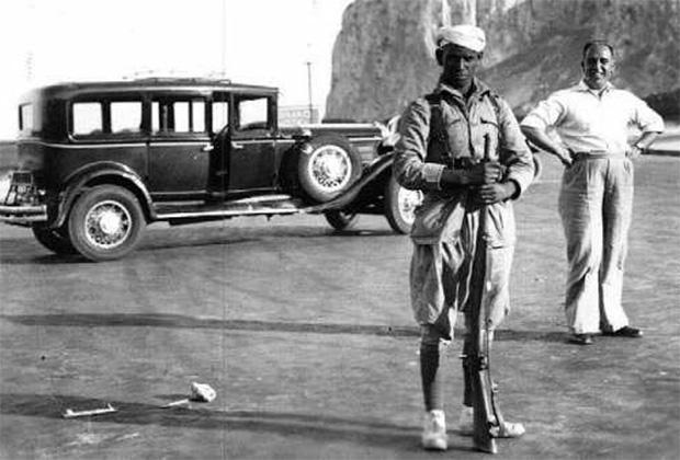 Солдат регуларес около Гибралтара