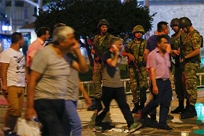 В Турции ввели военное положение