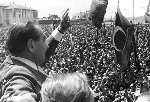 Премьер-министр Аднан Мендерес. 15 мая 1960