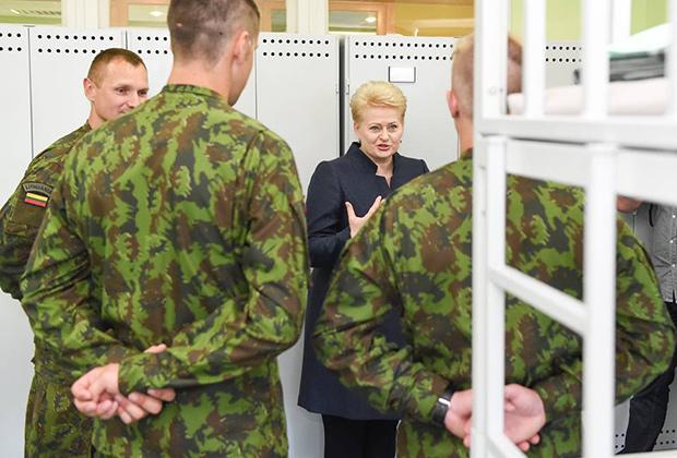 Даля Грибаускайте и литовские военные