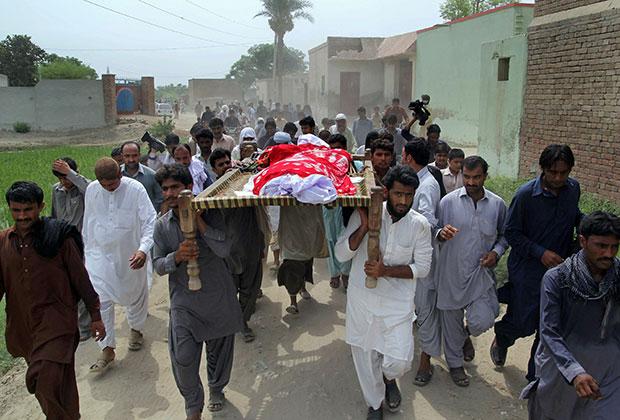Похороны Кандил Балоч, 17 июля 2016 года