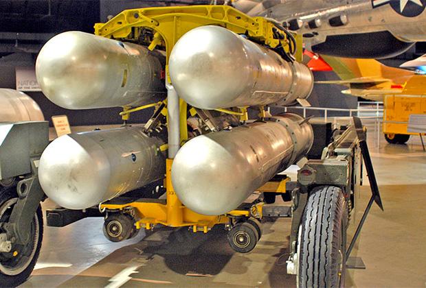Сборка из четырех ядерных бомб, аналогичная потерянным под Паломаресом и Туле.
