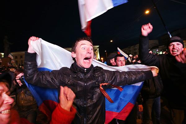 Празднование итогов референдума. Симферополь, 16 марта 2014 года