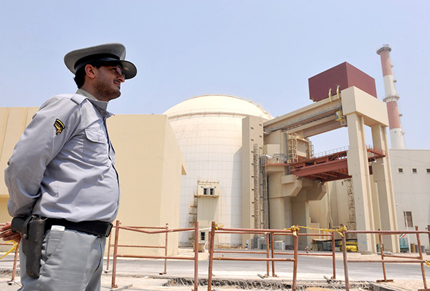 В 2010 году разработанный и внедренный американскими специалистами червь Stuxnet нанес непоправимый вред ядерной программе Ирана