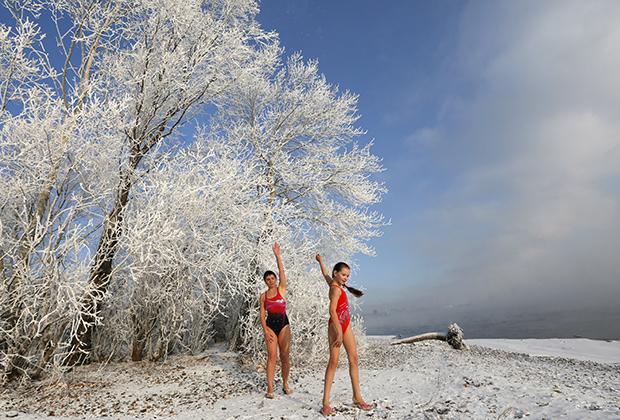 Пригород Красноярска (Восточная Сибирь). Температура воздуха минус 24 градуса