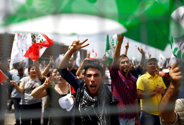 Прокурдская демонстрация в Стамбуле