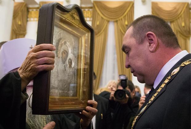 Глава Луганской народной республики Игорь Плотницкий после церемонии инаугурации в колонном зале бывшего областного совета