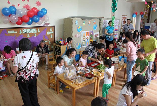 Фестиваль культур в Пекинском детском образовательном учреждении «Международная Академия Кленового листа»