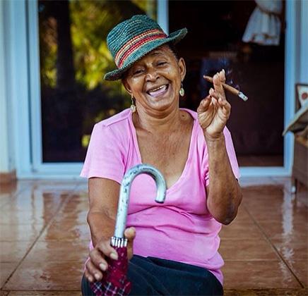 Домработница Дульсе — олицетворение веселого нрава доминиканцев