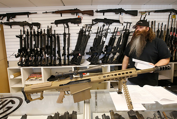 Хозяин оружейного магазина в Орландо (штат Флорида)