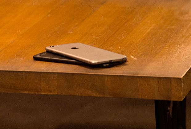 iPhone 7 Plus (снизу) и iPhone 6 Plus (сверху)