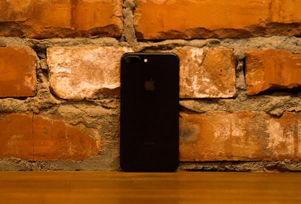 В iPhone 7 Plus добавили двойную камеру, но в остальном дизайн остался неизменным