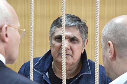 СМИ докладывают орасколе среди юристов поделу приближенных Шакро юного