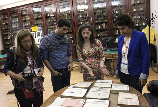 Российские и турецкие библиотекари в Стамбульском университете.
