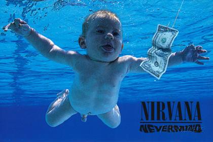 25-летний младенец собложки «Nevermind» снова нырнул вбассейн