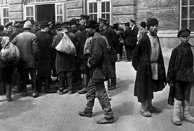 1890 год. Биржа труда возле Каланчевской площади в Москве