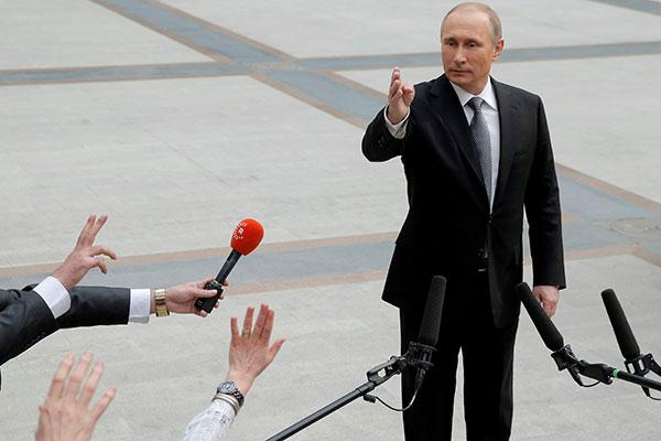 Владимир Путин: «Пусть жену свою учат щи варить»