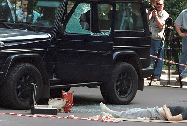 Частный нотариус Галина Перепелкина убита в своей машине рядом с офисом. Она была женой президента аудиторской компании «Промфин Лтд.» и учредителя ЗАО «Башнефть-МПК» Юрия Бушева, в настоящее время находящегося в СИЗО Уфы по обвинению в мошенничестве и контрабанде.