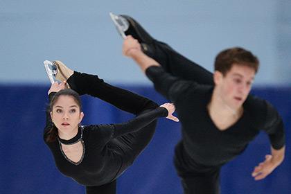Вера Базарова (слева)