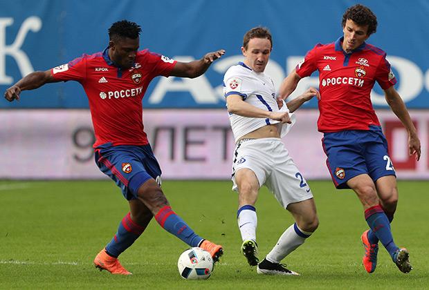 Роман Еременко (справа)