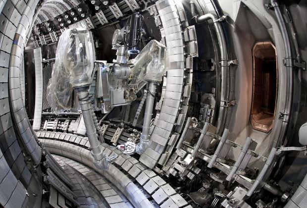 Внутри реактора JET